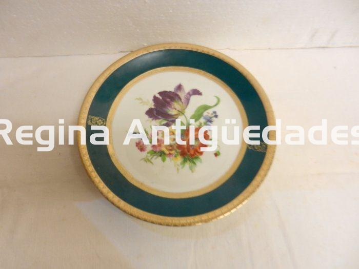 Plato antiguo de decoracion